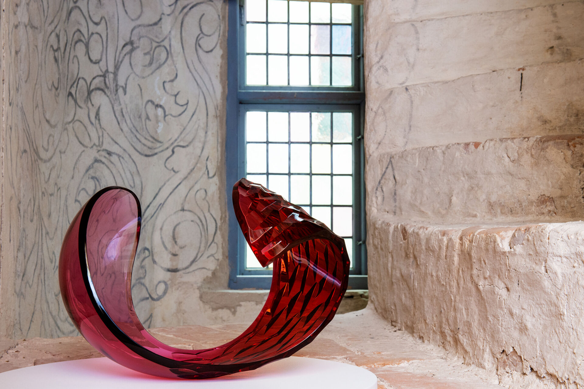 "Lena Bergström, sculpture ""Planets: Red Rose"". On dispaly in the exhibition ""Expressions in glass"" at Läckö Castle, summer 2019."